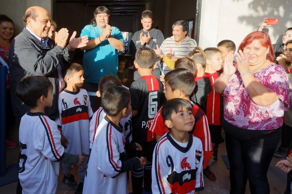 EL CLUB 19 DE JULIO REINAUGURÓ SUS INSTALACIONES (3)