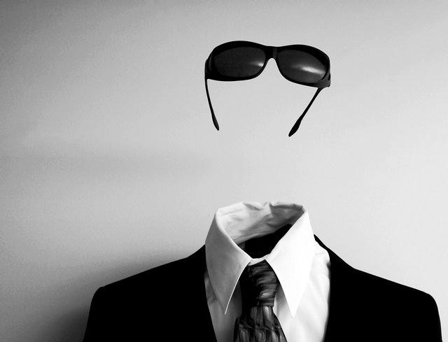 hombre invisi