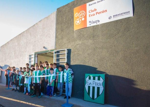 """INAUGURARON EL CLUB INFANTIL """"EVA PERÓN"""" EN EL BARRIO JACARANDÁ (1)"""