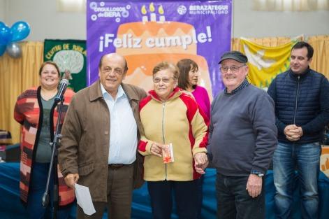 SIGUEN LOS CUMPLEAÑOS COMUNITARIOS PARA LOS ABUELOS DE BERAZATEGUI (4)